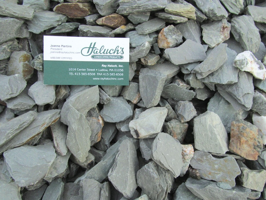 Attractive Landscaping With Slate Rock Pea Stone Path Cullins Hz39